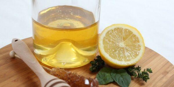 Miel de abejas en ayunas